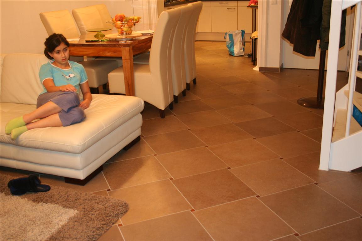 bouwbedrijven.nl - amersfoort, Heer Hassan  uit Amersfoort,ziet er mooi uit ,het leveren het leggen van vloertegels met vloerverwarming als hoofdverwarming.